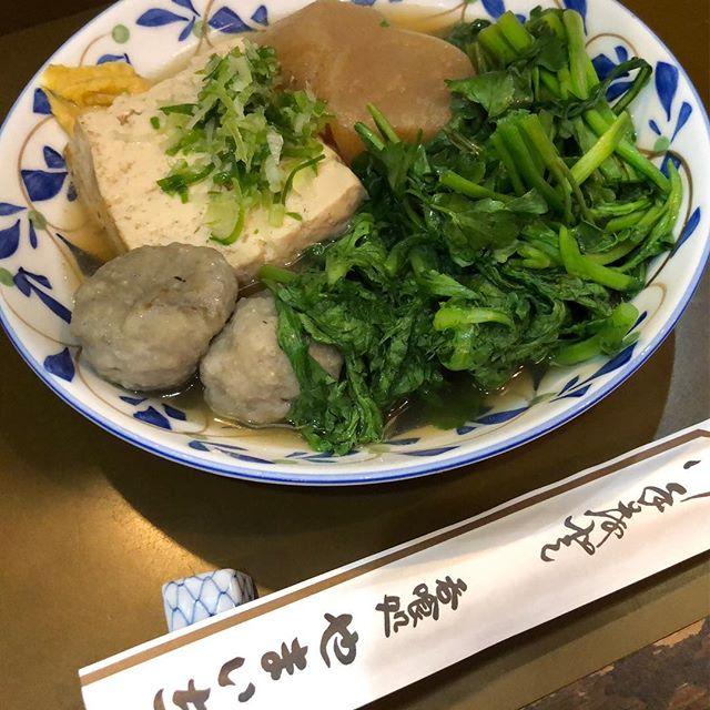 某寿司屋の大将もおススメ。松江で一番おでんが旨い店ー。おばちゃん、だいぶ耳遠くなってるので、若干大声でよろしく。 - from Instagram